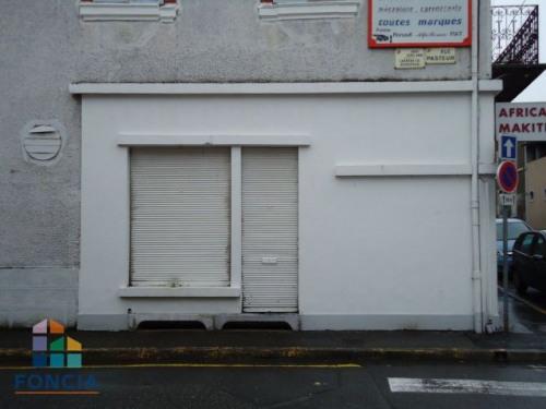 Rental - Empty room/Storage - 73 m2 - Tarbes - Photo