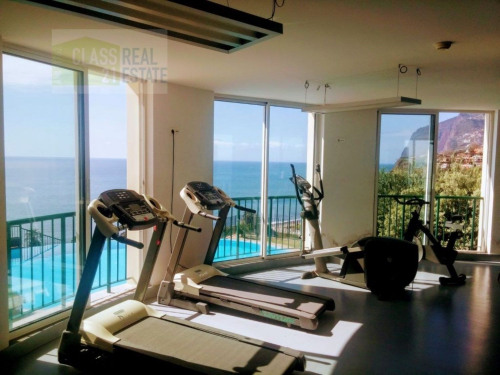 Investment property - Apartment 6 rooms - 143 m2 - Caniço - Photo