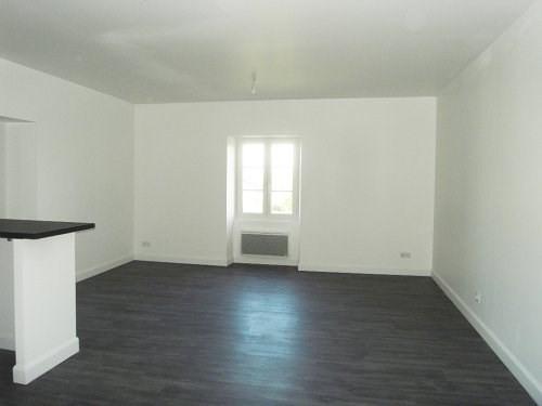 Location appartement Cognac 434€ CC - Photo 3