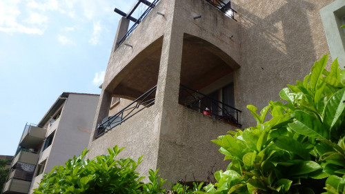 Vente - Appartement 4 pièces - 85 m2 - Nîmes - Photo