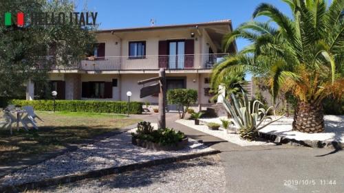 Sale - Villa 7 rooms - 300 m2 - Randazzo - Photo