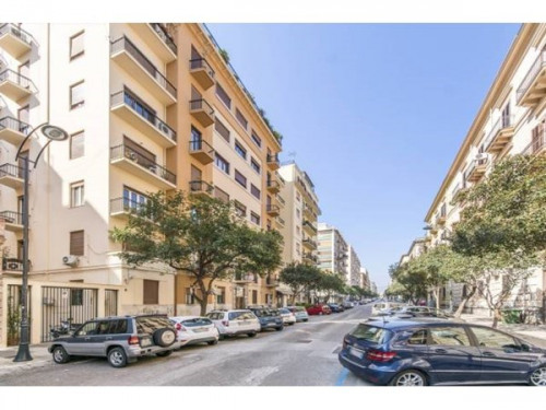 Sale - Apartment 6 rooms - 182 m2 - Palermo - Photo