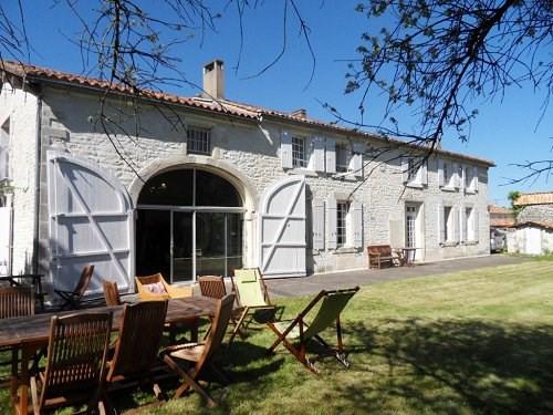 Sale house / villa 10 mn sud cognac 371000€ - Picture 1