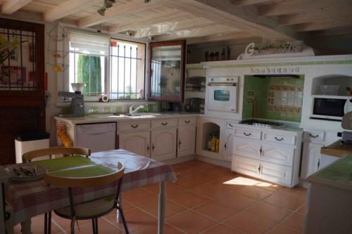 Sale - Property 10 rooms - 270 m2 - Spéracèdes - Photo