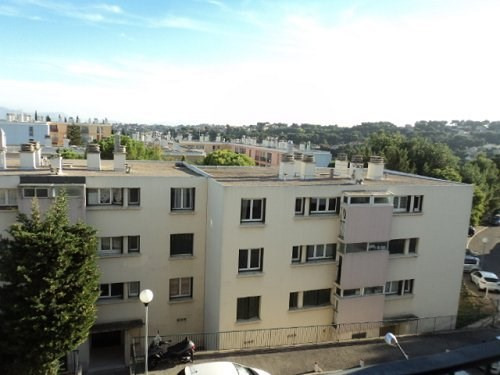 Rental apartment Les pennes mirabeau 730€ CC - Picture 2