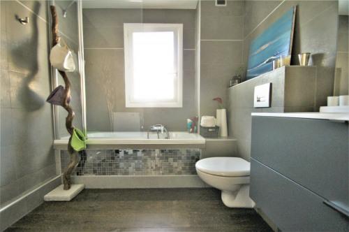 Sale - Apartment 4 rooms - 96 m2 - Vence - Photo