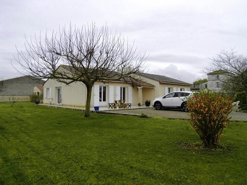 Sale house / villa 10 mn sud cognac 246100€ - Picture 2