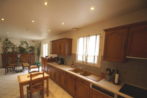 Vente - Maison traditionnelle 6 pièces - 127 m2 - Prunay en Yvelines - Photo