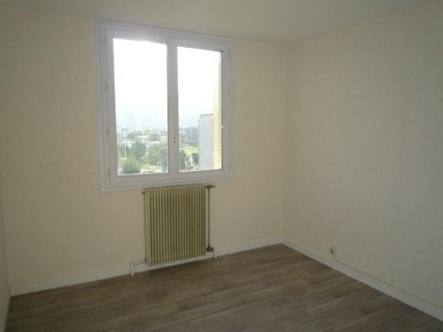 Location appartement St martin d'heres 558€ CC - Photo 2