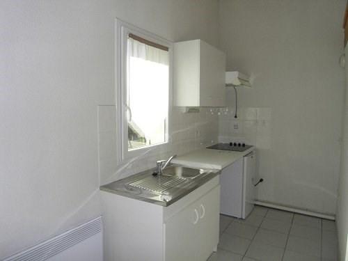 Rental apartment Cognac 416€ CC - Picture 3