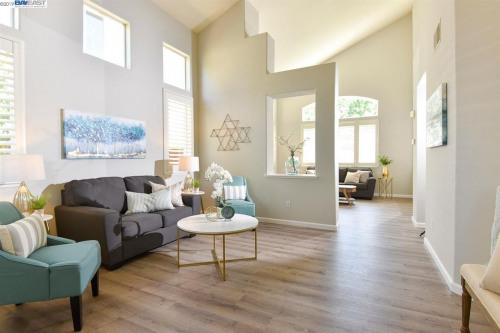 Venta  - Edificio - 160,35 m2 - Pleasanton - Photo