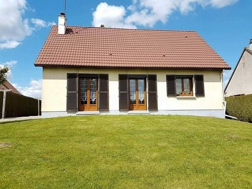 Sale house / villa Aumale 137000€ - Picture 1