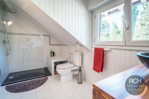 Verkauf - Anwesen 8 Zimmer - 205 m2 - Poigny la Forêt - Photo