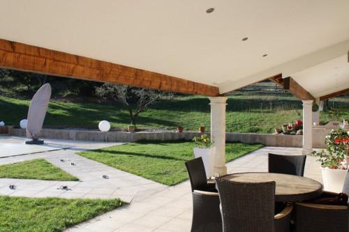 Vente - Villa 10 pièces - 281,46 m2 - Sommières - Photo