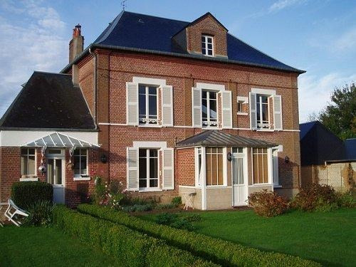 Sale house / villa Formerie 260 000€ - Picture 1