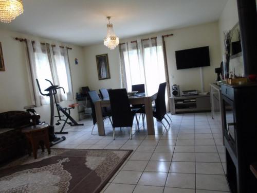 Revenda - Casa 5 assoalhadas - 170 m2 - Albertville - Photo