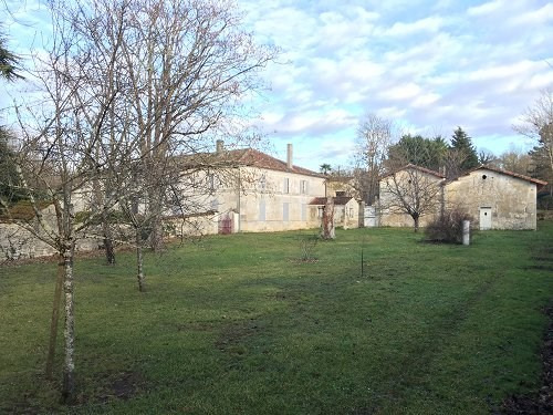 Deluxe sale house / villa Brives sur charente 682 500€ - Picture 3