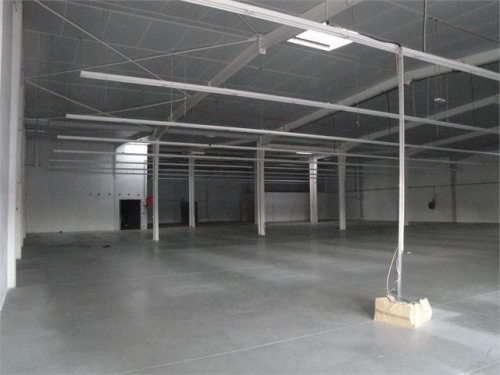 Location - Local commercial - 1290 m2 - Saint Christol lès Alès - Photo
