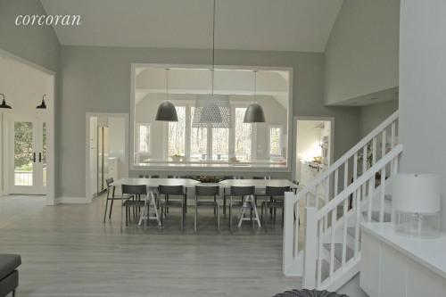 出租 - 未知 - 325.16 m2 - Hampton East - Photo