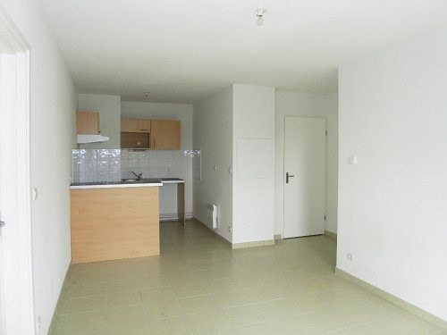 Rental apartment Cognac 488€ CC - Picture 1