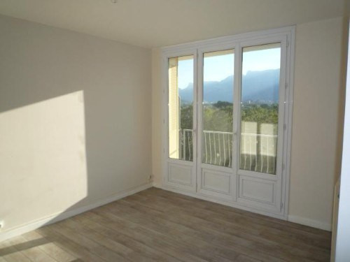 Location appartement St martin d'heres 558€ CC - Photo 1