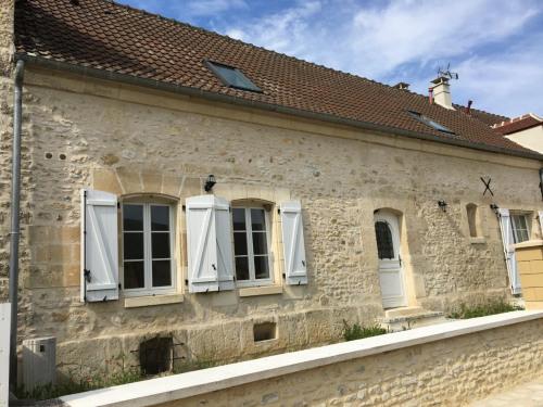 Vente - Maison / Villa 4 pièces - 129 m2 - Senlis - Façade - Photo