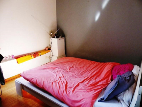 Produit d'investissement - Immeuble - 185 m2 - Saint Genis Laval - CHAMBRE T2 DUPLEX RDC - Photo