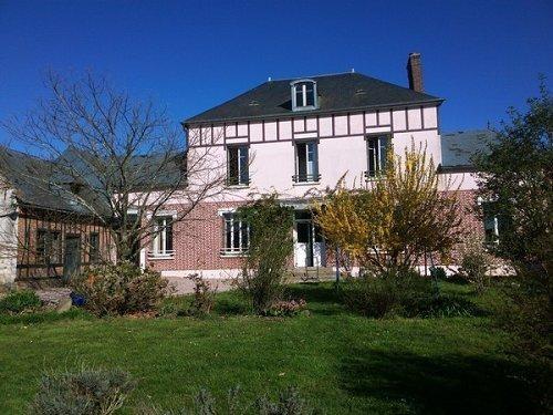 Sale house / villa Grandvilliers 240000€ - Picture 1