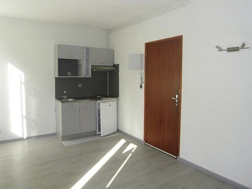 Rental apartment Cognac 375€ CC - Picture 2