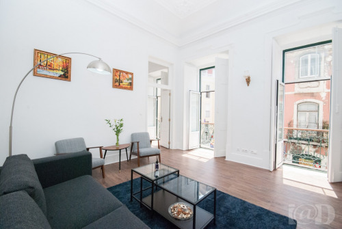 Sale - House / Villa 4 rooms - 183 m2 - Póvoa de Lisboa - Photo