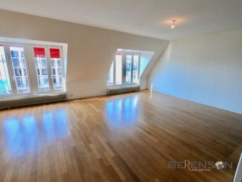 Location - Appartement 4 pièces - 129 m2 - Paris 9ème - Photo