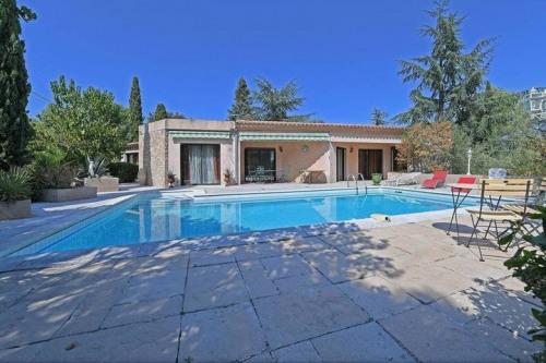 Deluxe sale - Villa 12 rooms - 245 m2 - Nîmes - Photo