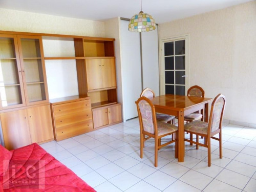 Rental - Studio - 34.6 m2 - Ferney Voltaire - Photo