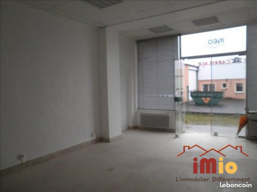 Location - Local commercial - 100 m2 - Brives Charensac - Photo