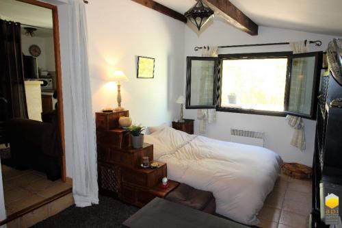 Sale - Villa 8 rooms - 218 m2 - Vers Pont du Gard - Photo
