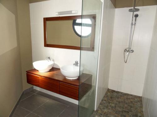 Vente - Appartement 2 pièces - 50,1 m2 - Sainte Clotilde - Photo