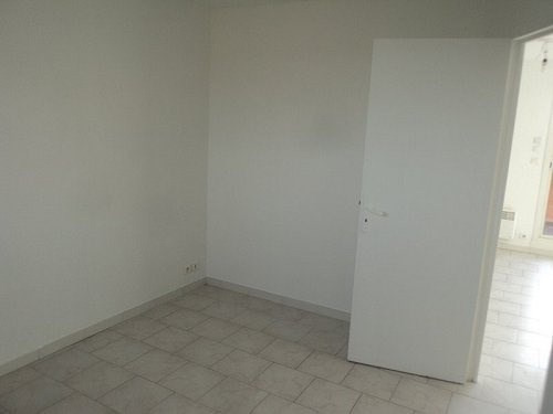 Location appartement Marignane 650€cc - Photo 3