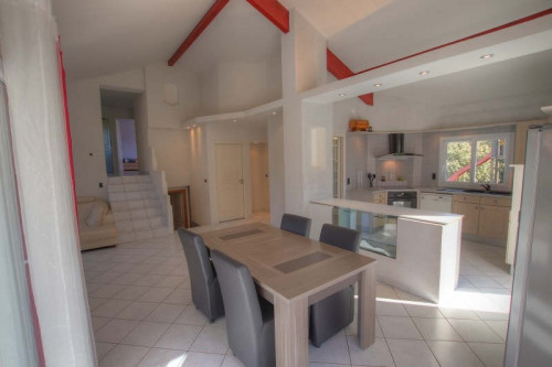 Vente - Villa 4 pièces - 130 m2 - Lyaud - Photo