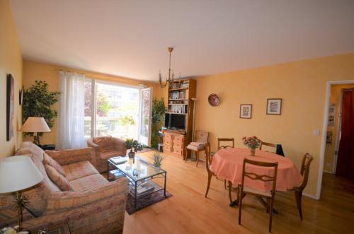 Vente - Appartement 3 pièces - 70 m2 - Croissy sur Seine - Photo