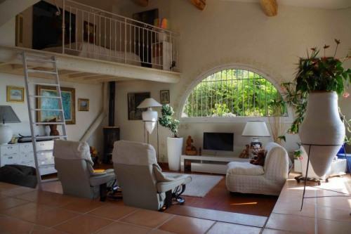 Vente de prestige - Propriété 10 pièces - 270 m2 - Spéracèdes - Photo