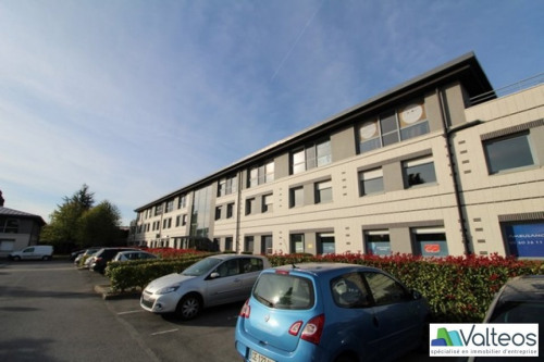 Rental - Office - 75 m2 - Magny le Hongre - Photo