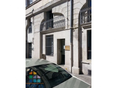 Location - Local commercial - 47 m2 - Nîmes - Photo