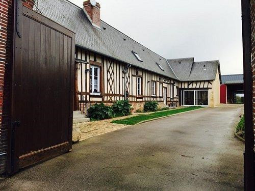 Sale house / villa Formerie 272000€ - Picture 1