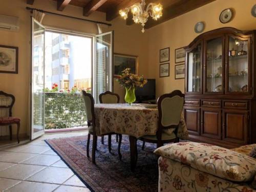 Sale - Apartment 6 rooms - 356 m2 - Palermo - Photo