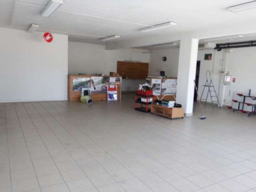 Location - Local commercial - 110 m2 - Les Angles - Photo