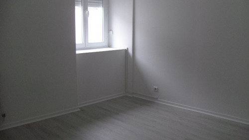 Location - Appartement 3 pièces - 57 m2 - Nay - Photo