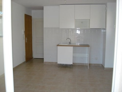 Location appartement Marignane 715€ CC - Photo 3