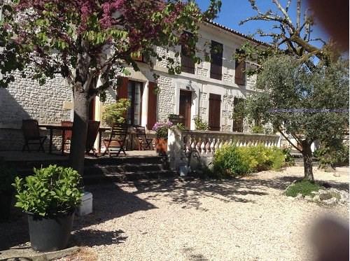 Sale house / villa 10 mn sud cognac 313510€ - Picture 2