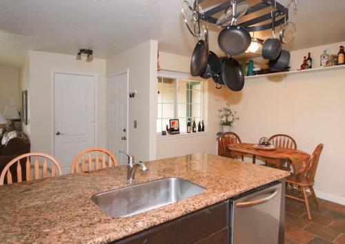 Venta  - Casa 1 habitaciones - 95,32 m2 - Basalt - Photo