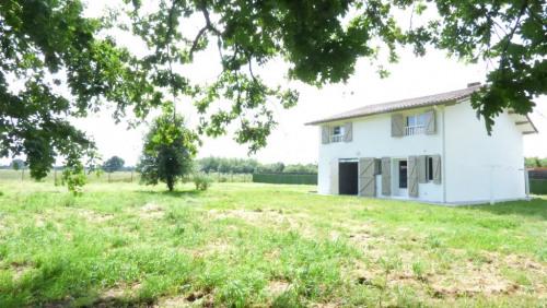 Rental - Villa 5 rooms - 151 m2 - Mont de Marsan - Photo